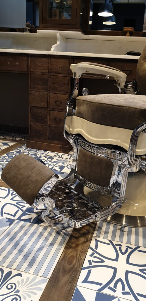 Friseurstuhl Superior | Barber chairs | Barberfurniture