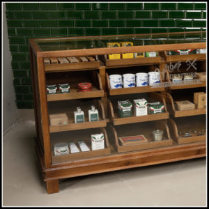 Klassische Teak Barber Counter | Barbersconcept