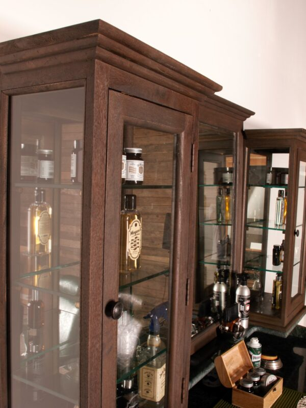 Vintage Friseurmöbel | Barbersconcept | Barberfurniture